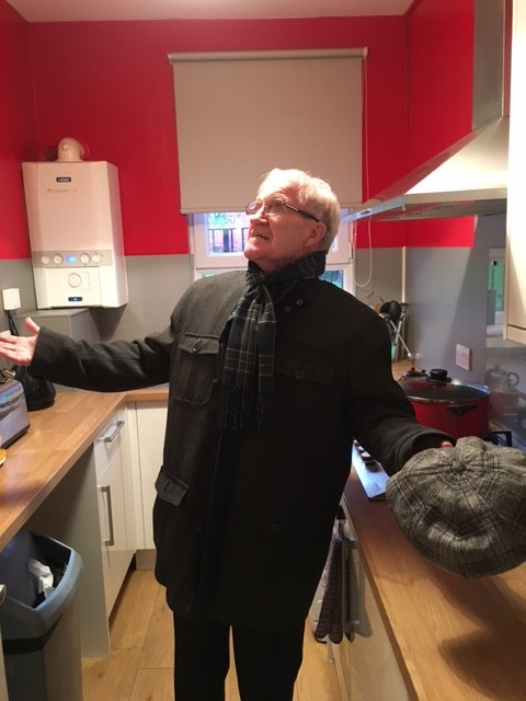 Bertie Auld visits house where he grew up