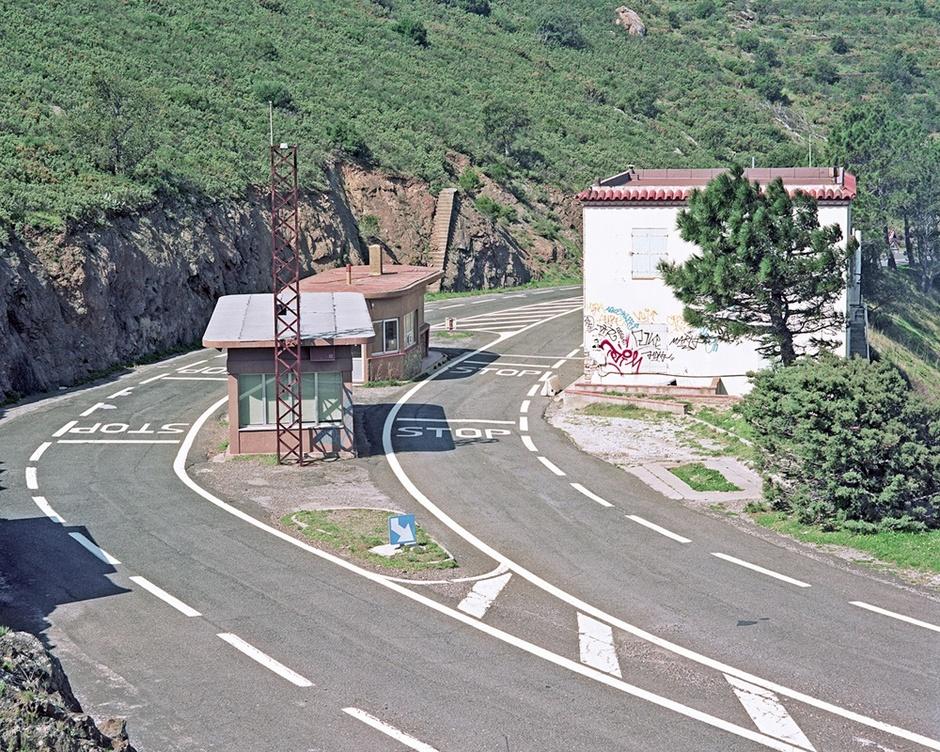 abandoned-border-post-4